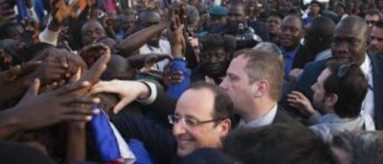 Article : Faut-il s'indigner ou se griser de l'accueil de François Hollande au Mali ?